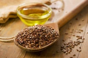 Diacylglycerol oil from flaxseed oil